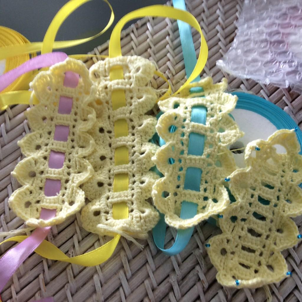 Crochet lace and ribbon bracelet